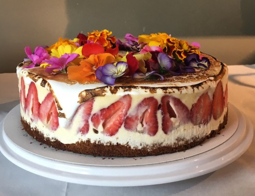 Torte Blumen Mint and Berry Flowermarket